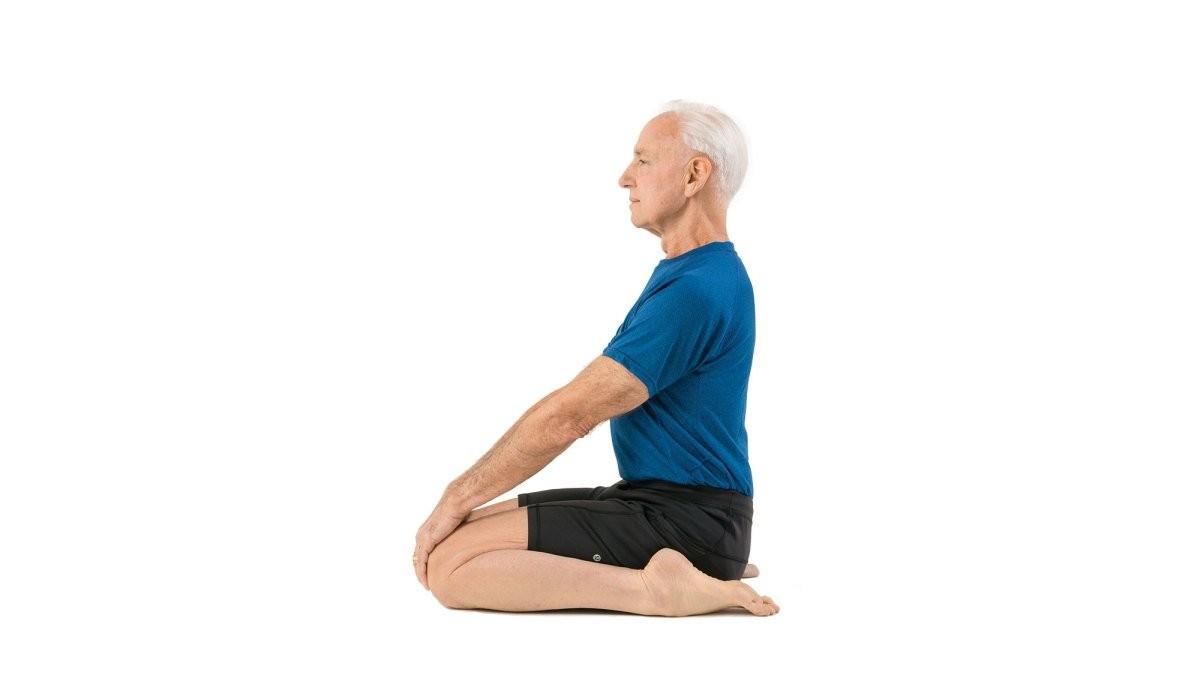 Tư thế yoga anh hùng (Virasana, hero pose)