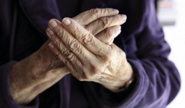 Làm cách nào để giảm đau nhức xương khớp khi trời trở lạnh?