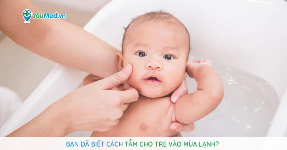 tắm cho trẻ