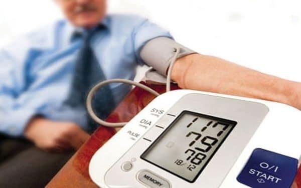 theo dõi huyết áp như thế nào cho đúng
