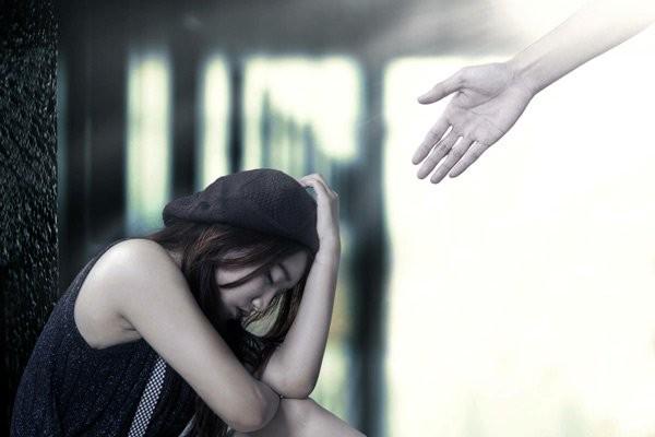 Hãy giúp đỡ những nạn nhân của bạo hành gia đình
