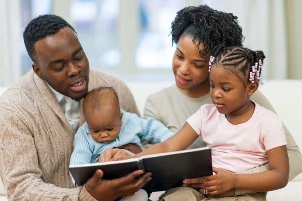 chọn sách cho trẻ
