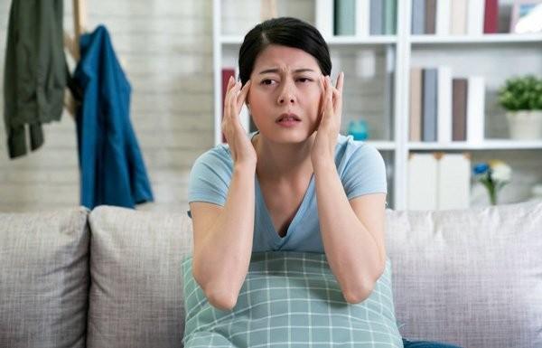 Hội chứng này thường gây ra đau đầu