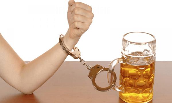 Rối loạn rượu có ảnh hưởng xấu đến sức khỏe và cuộc sống