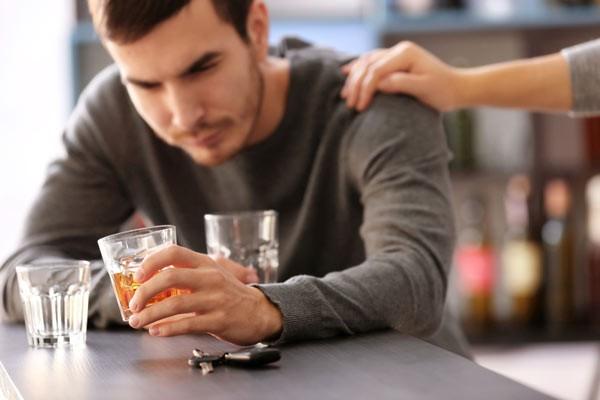 Khi tâm lý không ổn định, người ta có xu hướng uống rượu bia