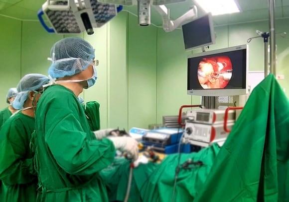 phẫu thuật thủ thuật