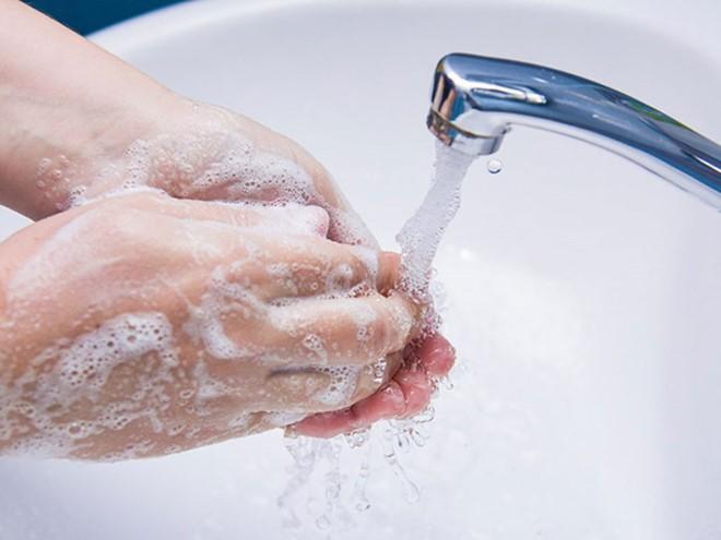 Việc giữ gìn vệ sinh cá nhân sạch sẽ có thể giúp bạn giảm nguy cơ nổi mụn nhọt