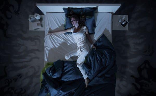 phân biệt và có sự nhận thức đúng giữa giấc ngủ kinh hoàng và ác mộng