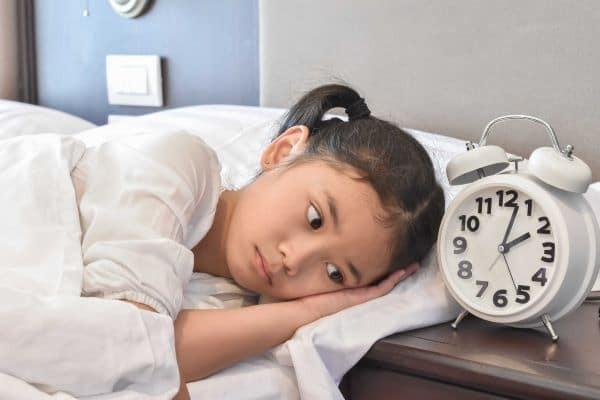 Trằn trọc, khó đi vào giấc ngủ là một trong những biểu hiện của rối loạn lo âu