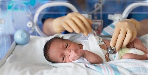 Tại sao trẻ sinh non có cơn ngưng thở?