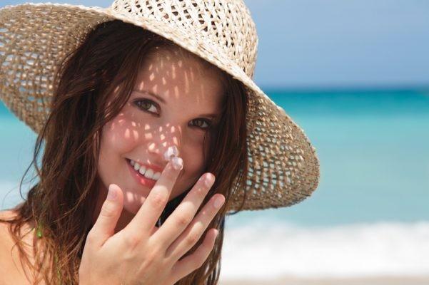 Tránh nắng là một cách để trị nám da tốt nhất