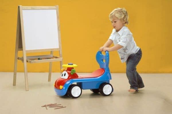 đảm bảo rằng trong những nơi trẻ di chuyển bằng xe tập đi sẽ không có bất kỳ mối nguy hại nào