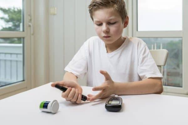 trẻ em dùng thuốc chữa bệnh đái tháo đường