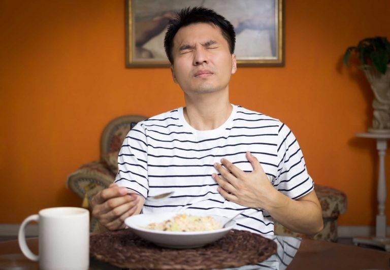 Nuốt nghẹn nuốt đau là một trong những dấu hiệu cảnh báo