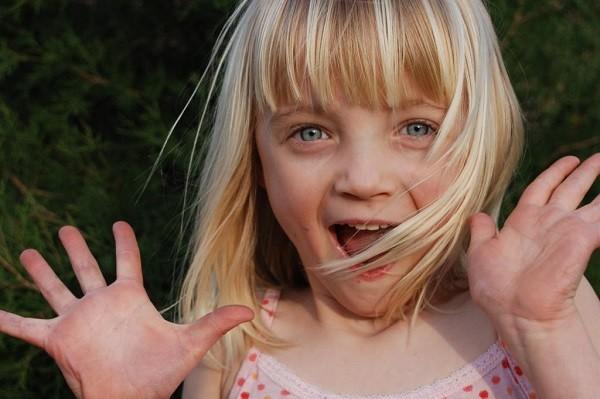 Trẻ nữ mắc hội chứng siêu nữ.