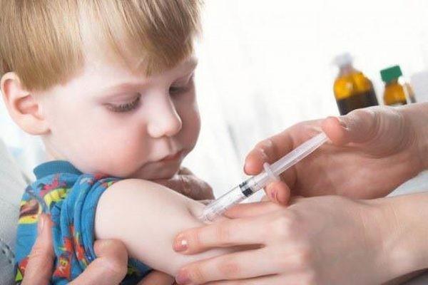 Tiêm phòng vắc xin bênh Rubella cho trẻ em