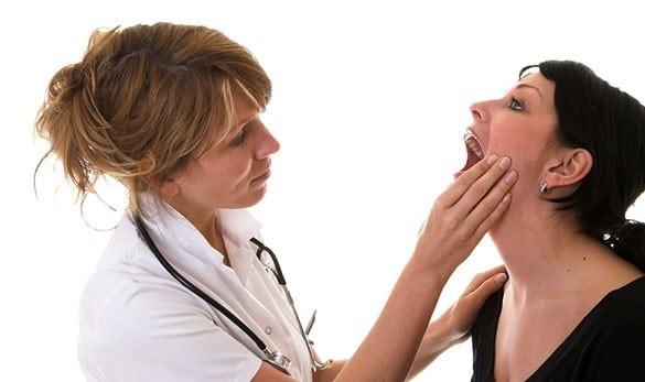 Viêm tuyến nước bọt có thể phát hiện được qua thăm khám