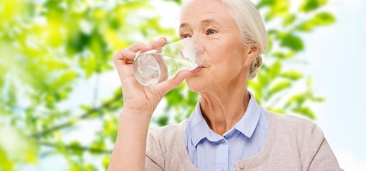 Người cao tuổi trên 65 tuổi không cần hiệu chỉnh liều