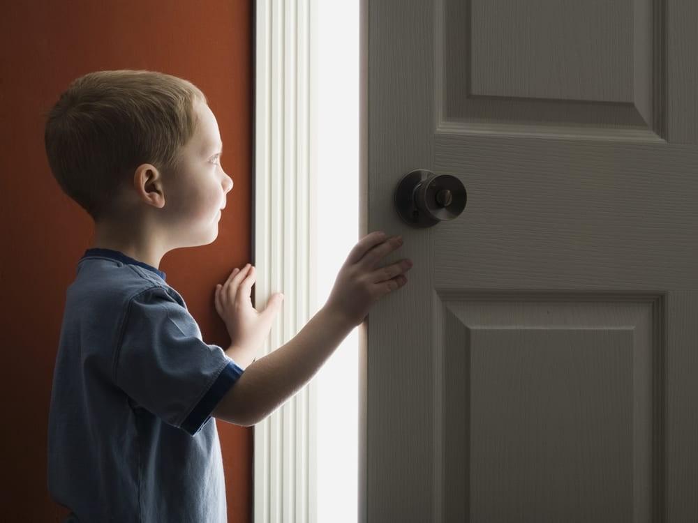 Bạn cần chuẩn bị gì để trẻ ở nhà một mình