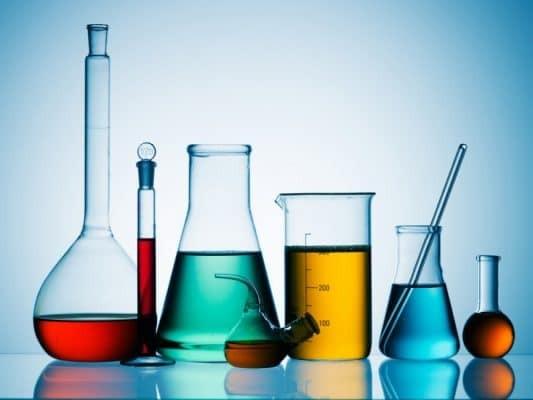 Các loại hóa chất sử dụng trong quy trình peel da là các acid