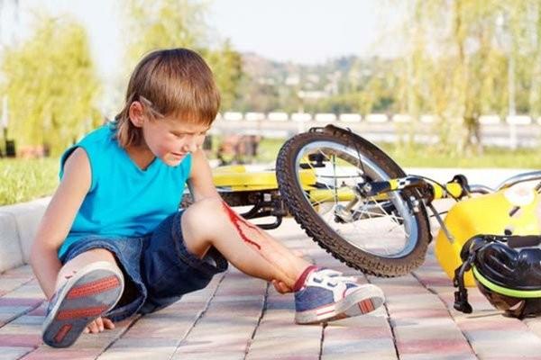 Trẻ có thể cần được chụp CT trong trường hợp gặp tai nạn nghiêm trọng