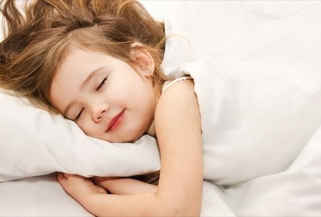 Làm thế nào để bạn giúp trẻ tạo thói quen đi ngủ?