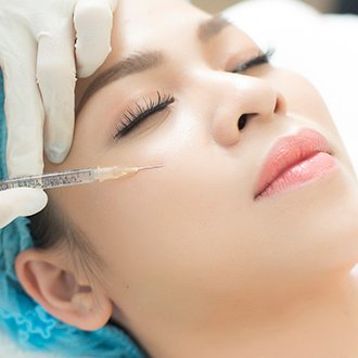 Tiêm vi điểm HA căng bóng da mặt có tác hại không?