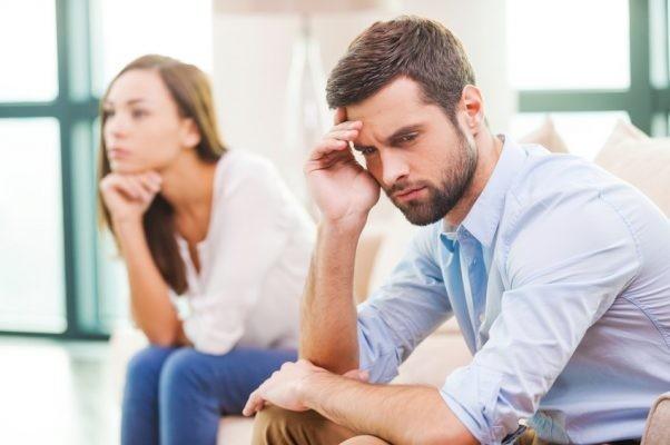 Xuất tinh chậm trở thành vấn đề khi gây ra khó chịu cho một trong hai hoặc cả hai.