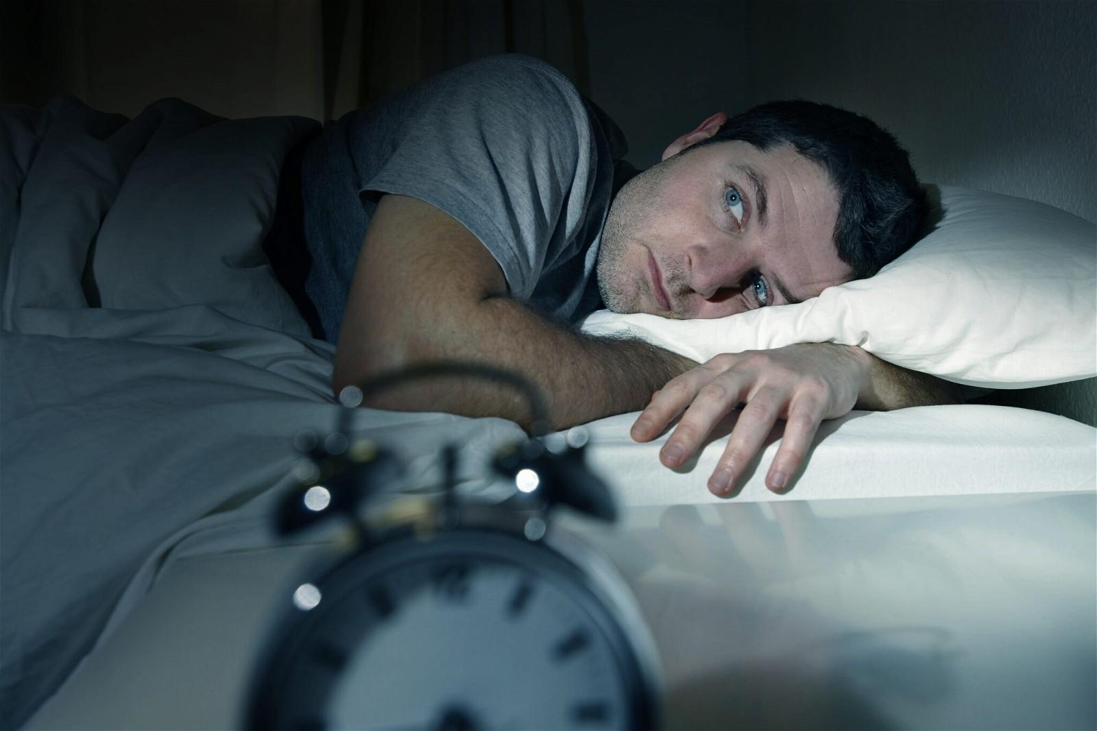 Non - benzodiazepines được sử dụng để điều trị chứng mất ngủ bao gồm zaleplon, eszopiclone, zolpidem và zolpidem phóng thích kéo dài