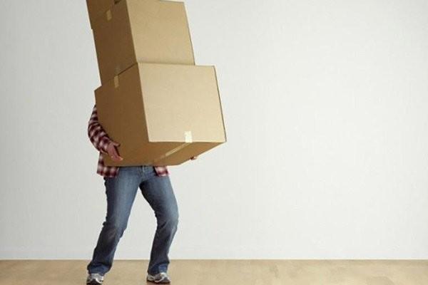 Tránh những công việc phải mang vác nặng