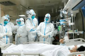 cán bộ y tế chống Covid-19