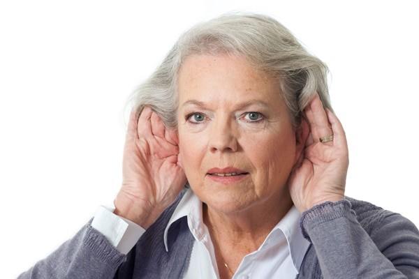 Chảy máu tai có thể để lại biến chứng là khả năng nghe giảm