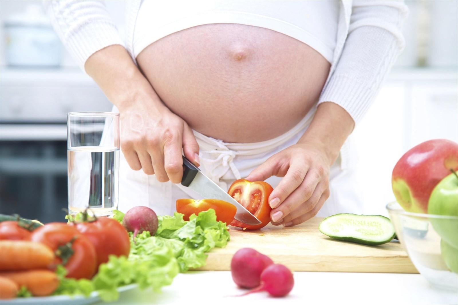 ăn uống đủ chất dinh dưỡng