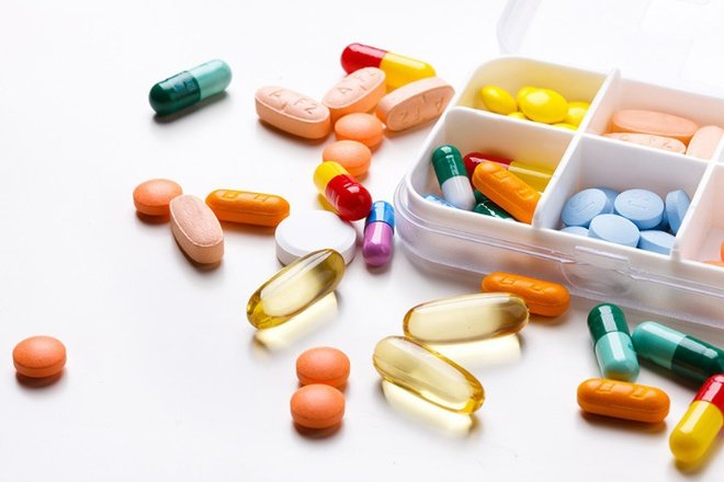 dùng thuốc điều trị bệnh nấm da đùi