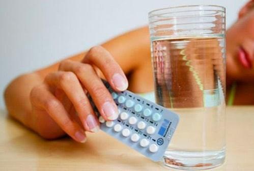 Có thể bạn sẽ căng thẳng và đau đầu khi uống thuốc Rigevidon