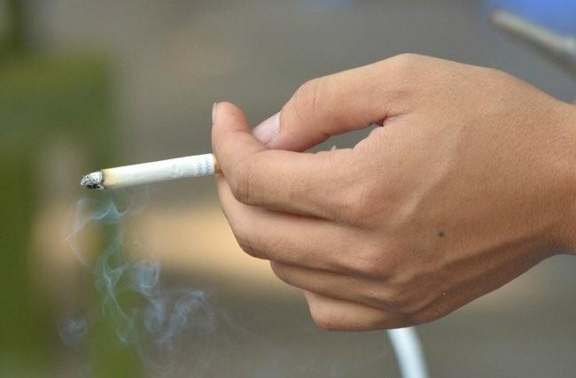 Hút thuốc lá làm tăng nguy cơ mắc bệnh