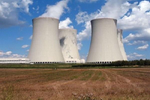 Người làm trong ngành công nghiệp hạt nhân dễ mắc ung thư não thứ phát