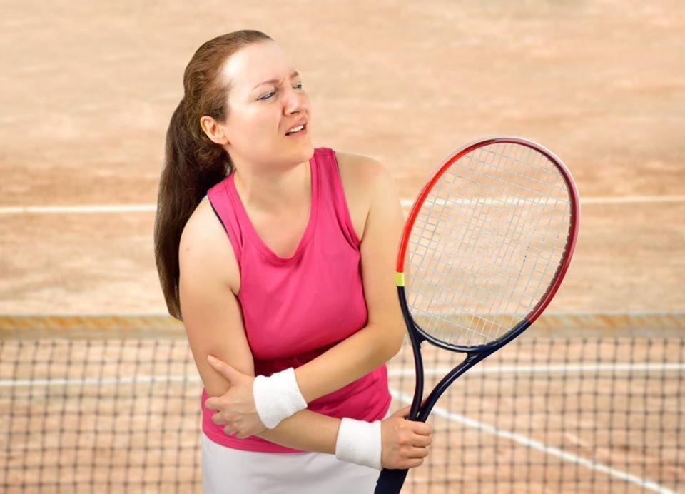 khuỷu tay quần vợt