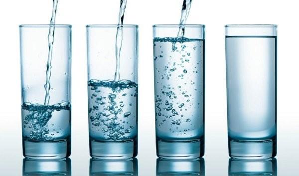 Uống nhiều nước ngăn ngừa viêm bọng đái