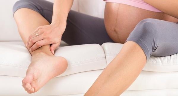 mẹ bầu bị đau chân