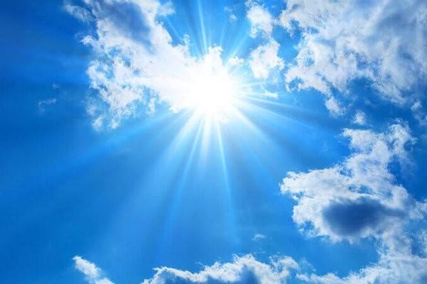 Ánh nắng mặt trời gay gắt có thể gây ra cháy nắng