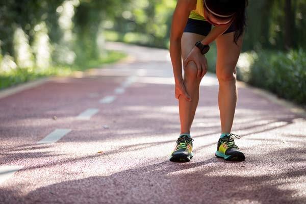 Bệnh lý gây cảm giác đau ở cả 2 chân