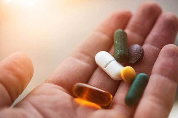Nên cho bác sĩ biết loại thuốc bạn đang sử dụng