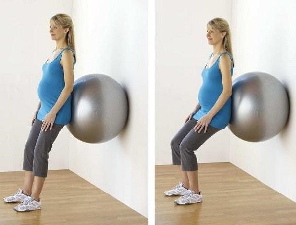 tập thể dục với bóng