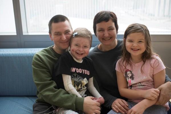 Tư vấn di truyền giúp xác định nguy cơ mang gen bệnh EB của các thành viên trong gia đình