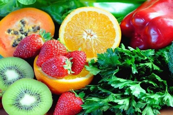 Ăn trái cây để bổ sung vitamin khi mang thai tuần 8