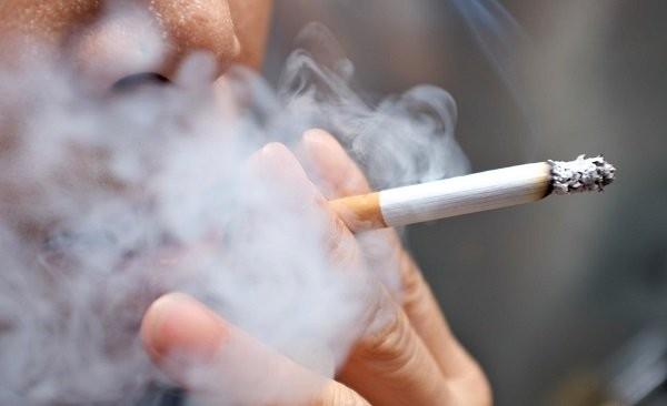 Tránh hút thuốc lá để phòng ngừa nhịp chậm