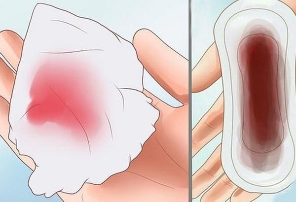 Phần dịch được nhận biết qua giấy vệ sinh hoặc băng vệ sinh có màu sắc đỏ