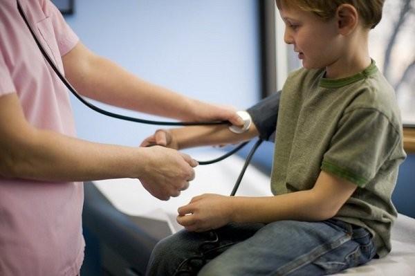 Đo huyết áp ở trẻ em