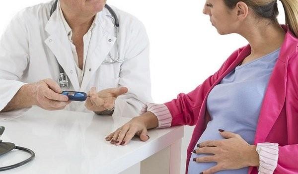 Kiểm soát đường huyết tốt giảm nguy cơ sinh con to